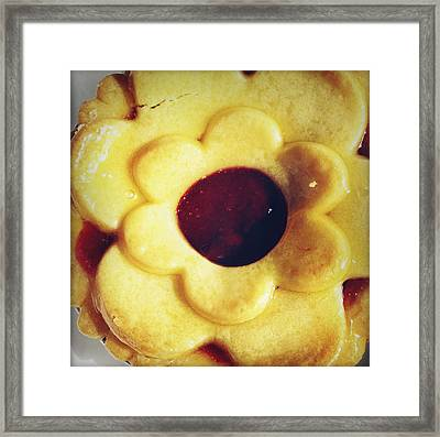 Pie Framed Print by Les Cunliffe