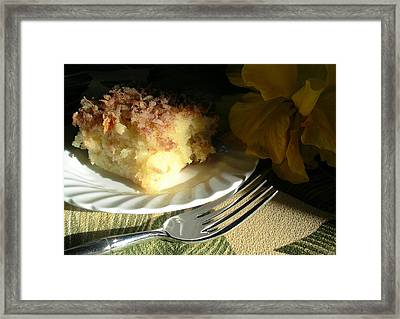 Pineapple Perfection Cake Framed Print