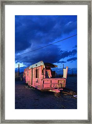 Pink To Sleep Airstream Travel Trailer Framed Print by Scott Campbell