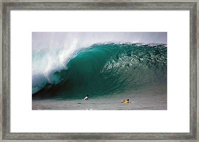 Pipeline Wave Hawaii Framed Print by Kevin Smith