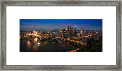 Pittsburgh Pa Framed Print by Steve Gadomski