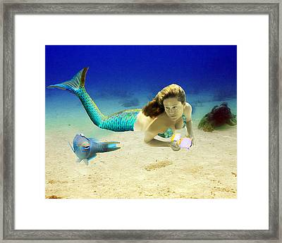 Playmates Framed Print by Paula Porterfield-Izzo