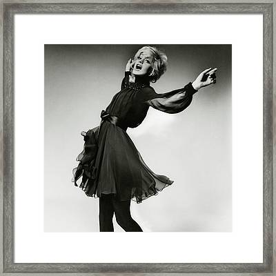 Portrait Of Goldie Hawn Framed Print