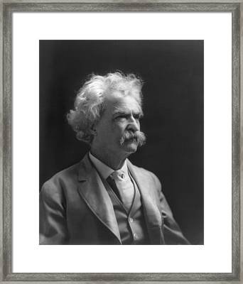 Portrait Of Mark Twain Framed Print by Underwood Archives