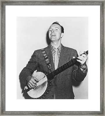 Portrait Of Pete Seeger Framed Print by Fred Palumbo