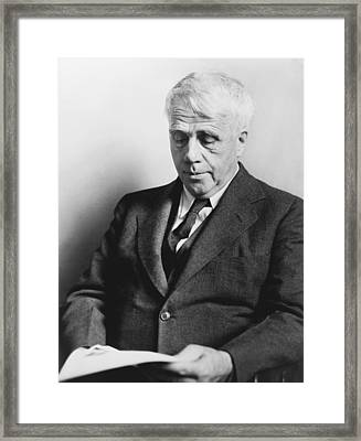 Portrait Of Robert Frost Framed Print by Fred Palumbo