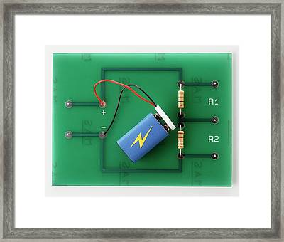 Potential Divider Of Electronic Circuit Framed Print by Dorling Kindersley/uig