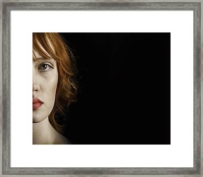 Pre Raphaelite Woman Framed Print by Lesley Rigg
