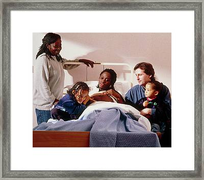 Pregnant Woman And Her Family On An Antenatal Ward Framed Print by Ruth Jenkinson/midirs/science Photo Library