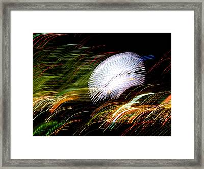Framed Print featuring the photograph Pretty Little Cosmo - 2 by Larry Knipfing