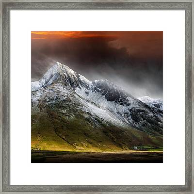 Profound Beauty Framed Print by Ian David Soar