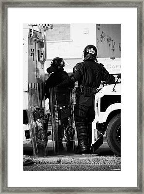 Psni Officers In Protective Riot Gear At Landrovers On Crumlin Road At Ardoyne Shops Belfast 12th Ju Framed Print by Joe Fox
