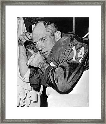 Quarterback Y.a. Tittle Framed Print by Underwood Archives