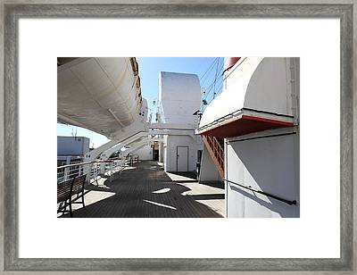 Queen Mary - 121213 Framed Print by DC Photographer