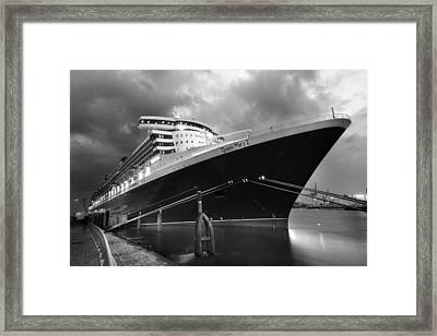 Queen Mary 2 In Hamburg Framed Print