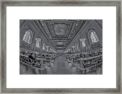 Quiet Room Bw Framed Print by Susan Candelario