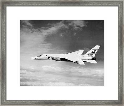 Ra-5c Vigilante In Flight, Circa 1966 Framed Print