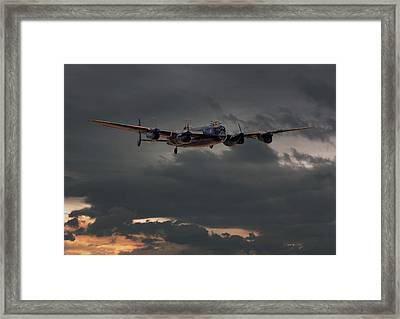Raf Lancaster - Coming Home Framed Print by Pat Speirs