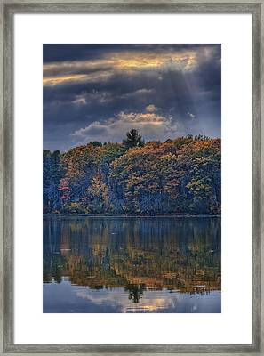 Rayons D'automne Framed Print