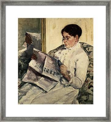 Reading Le Figaro Framed Print by Mary Stevenson Cassatt