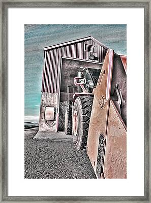 Ready To Work Framed Print by Don Bendickson