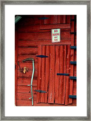 Red Barn Door 003 Framed Print