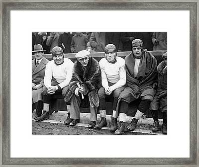 Red Grange On Bears Bench Framed Print by Underwood Archives