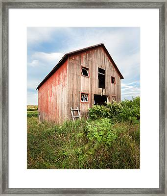 Framed Print featuring the photograph Red Shack On Tucker Rd - Vertical Composition by Gary Heller
