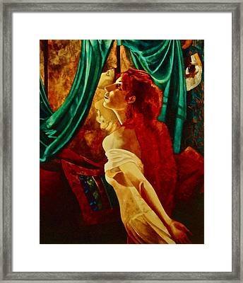 Redhead In The Mirror Framed Print by Susan Tammany