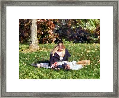 Relaxing In The Park Framed Print by Susan Savad