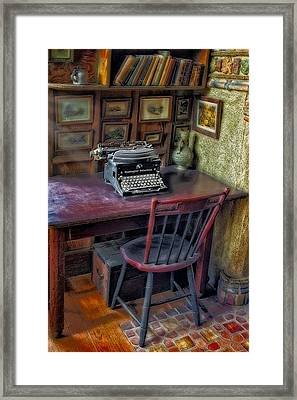 Remington Noiseless No 6 Typewriter Framed Print by Susan Candelario