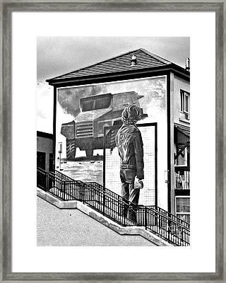 Resistance Mural In Derry Framed Print
