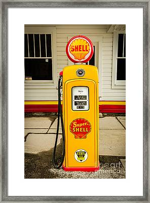 Restored Shell Pump On Route 66 Framed Print by Sue Smith