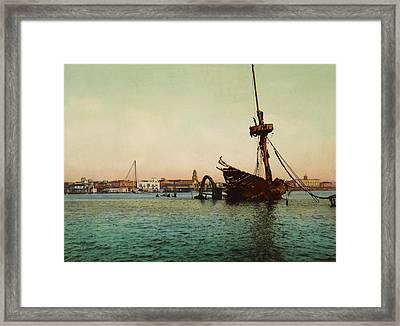 Restos Del U.s.s. Maine Habana Framed Print
