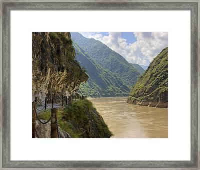 River Yangzi Framed Print by Ray Devlin