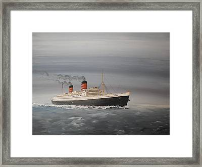 R.m.s Queen Elizabeth Framed Print by James McGuinness