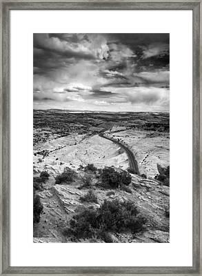 Road In The Desert Framed Print by Andrew Soundarajan