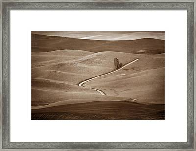 Road Through The Palouse  Framed Print by Nikolyn McDonald
