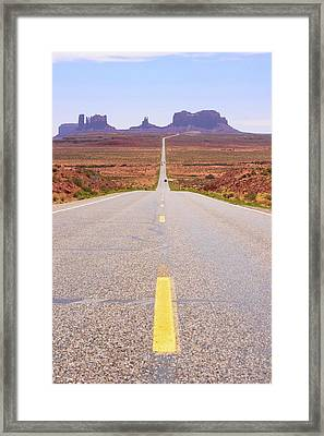 Road To Monument Valley. Framed Print by Mark Williamson