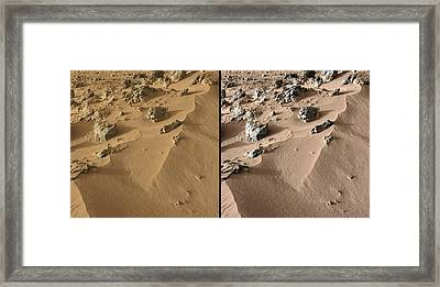 Rocknest Site, Mars, Curiosity Images Framed Print by Science Photo Library