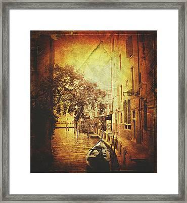 Romantic Ride  Framed Print by Steven  Taylor