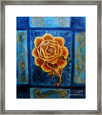 Rose 1 Framed Print by Suzanne Thomas
