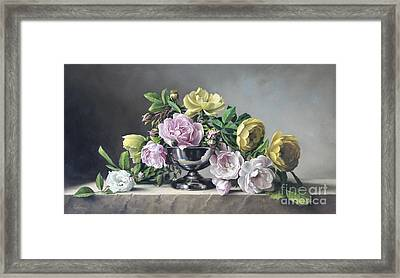 Roses Piramide Framed Print by Pieter Wagemans