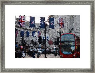 Round The Piccadilly Framed Print by Steve K