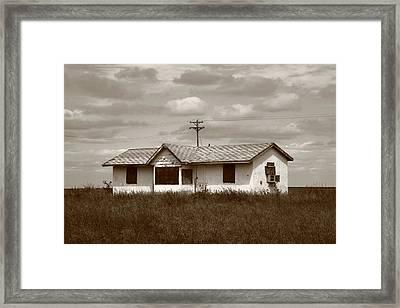 Route 66 - Abandoned Farm House Framed Print