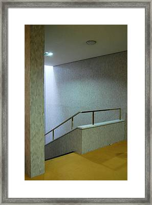Royal College Of Physicians - Denys Lasdun Framed Print by Peter Cassidy