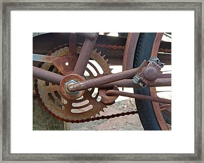 Rusted Chain Framed Print by Susan OBrien