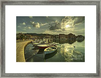 Stari Grad Boats  Framed Print by Rob Hawkins