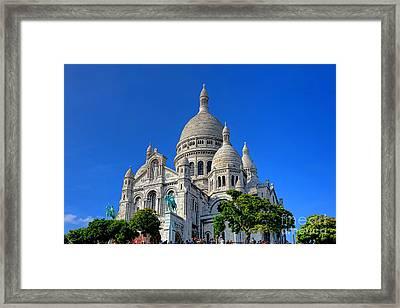 Sacre Coeur Basilica Framed Print