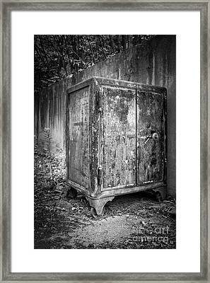 Safe And Sound Framed Print by Edward Fielding